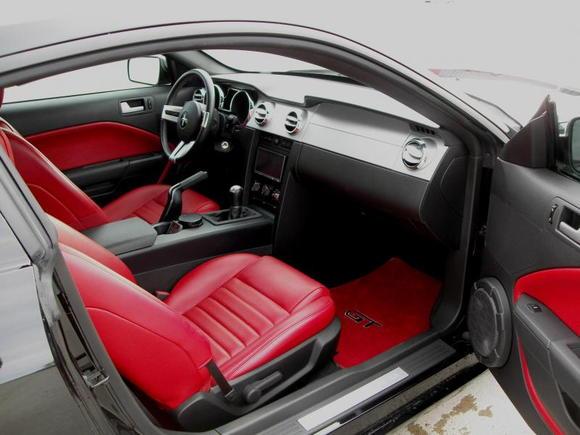 Mustang int