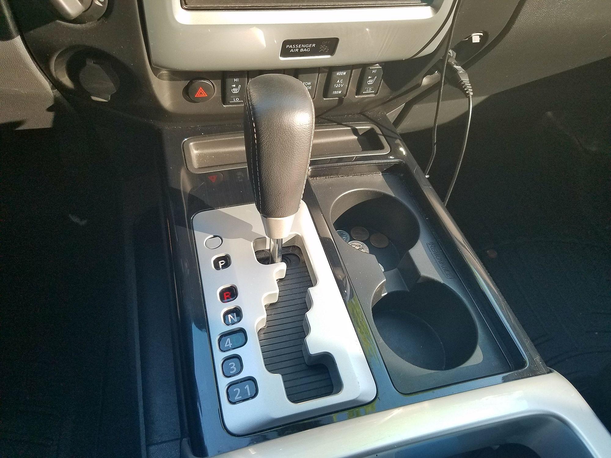 2014 titan pro 4x 4wd crew cab  navi  leather  warranty everything