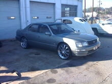 1995 Lexus LS400 22x8.5 front and 22x10 in the back.