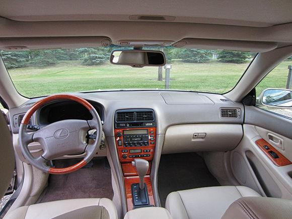 ES300 - Interior