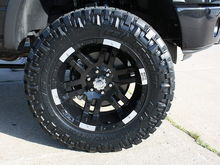 "20"" Moto Metal Black 951 with 35"" Nitto Trail Grapplers"