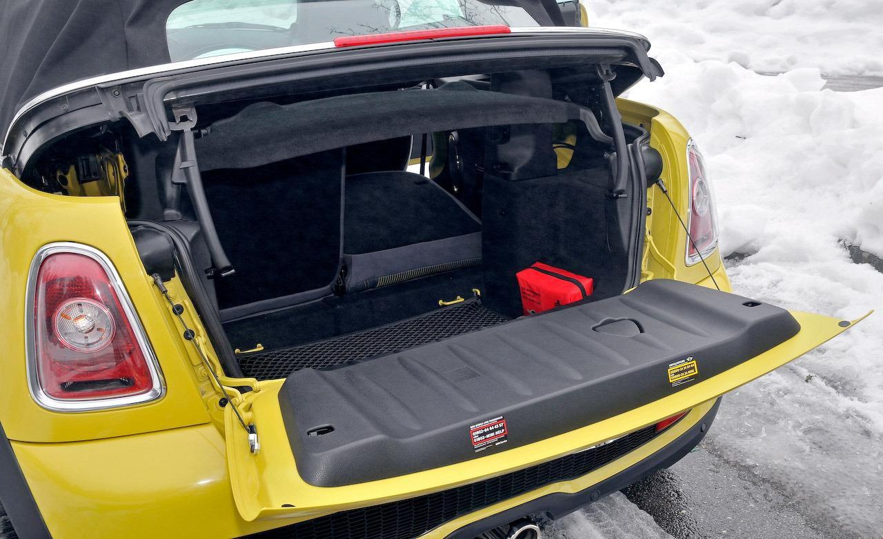 Mini Cooper Houston >> Trunk molding/trim... - North American Motoring