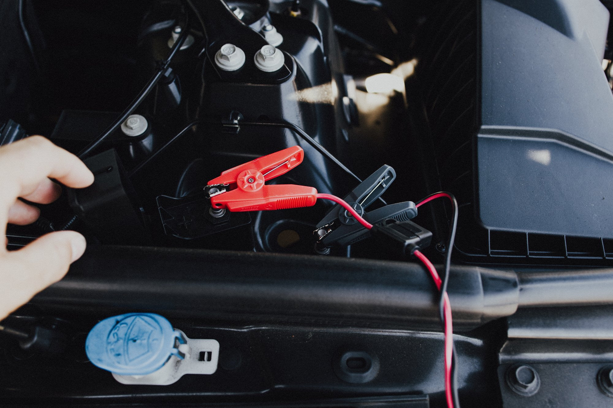 DIY: How to charge your Range Rover Sport (L494) batteries