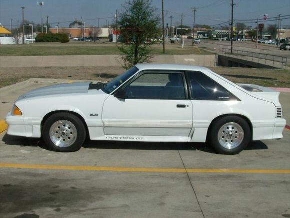 '87 Mustang GT 001