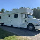 2008 Showhauler 45' Tandem Axle Motorcoach