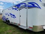 STW 28' enclosed hauler