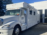 06 Haulmark 45' Motorhome w/ 06 Renegade 36' Liftgate         for sale $140,000