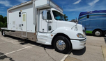2006 Haulmark Columbia Slide Out Toterhome
