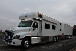 2008 S&S 25' TOTERHOME 14' SLIDEOUT & 38' LIFTGATE $