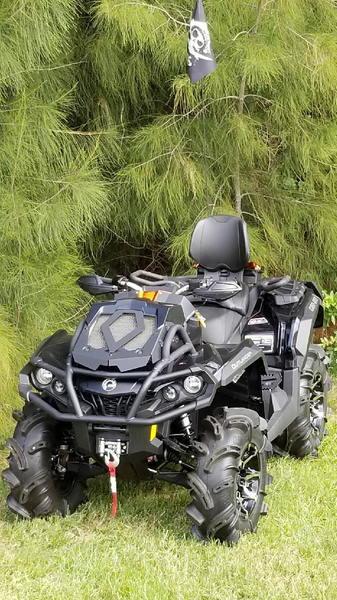 CAN-AM Outlander XMR 1000 ATV
