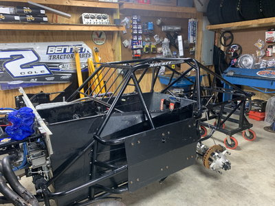 2015 b/g rocket chassis with front susp