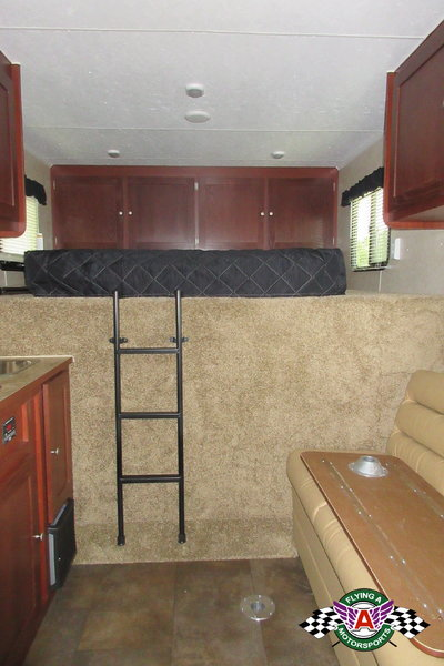 2019 Vintage 53' Trailer with Living Quarters