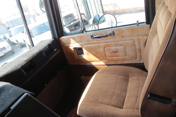 1989 Peterbilt 362 Sleeper COE 32 ft  Box Van Truck for Sale