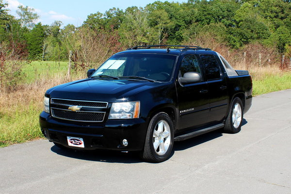 2007 Chevrolet Avalanche  for Sale $13,500