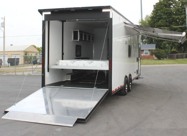 It's a WOW! Ideal for Side by Sides 26' Living Quarters