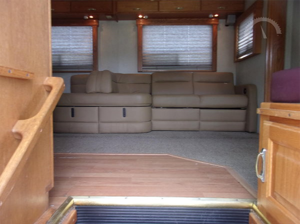 2004 Haulmark / Freightliner Toterhome w/ 13' slide  for Sale $94,500