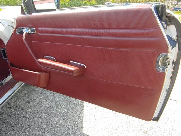 1988 Mercedes-Benz 560SL  for Sale $18,500
