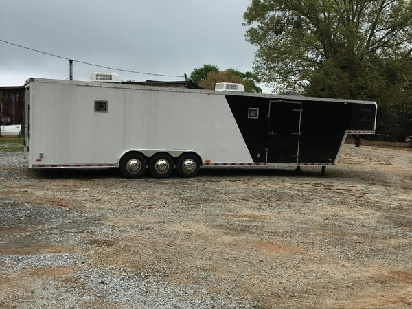 Pace 40' trailer with living space  for Sale $10,000