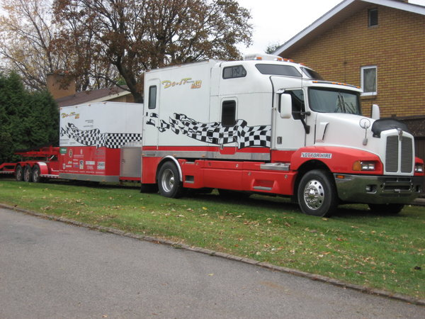 1997 Kenworth camper, don't need class 1 permit  for Sale $62,000