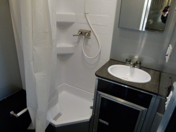 2019 34' VINTAGE PROSTOCK BATHROOM TRAILER