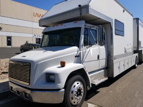 Motorhomes For Sale In San Diego >> Freightliner Toterhome 2002 for Sale in SAN DIEGO, CA | RacingJunk