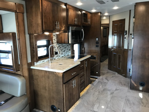 2019 Renegade 45' Classic Quad Slide Dual Bath 500HP Volvo