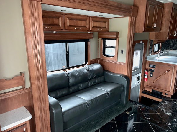 2016 Showhauler 4 Slide  for Sale $319,900