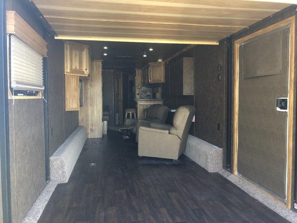 2019 Sundowner 4386 Pro Grade Toy Hauler & Living Qaurte