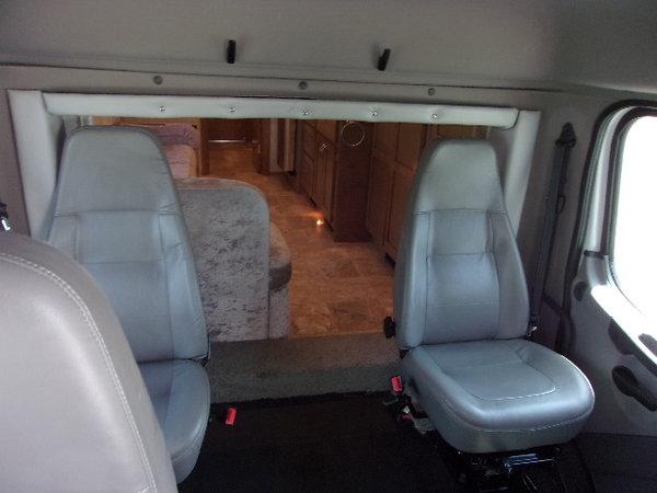 2015 Showhauler 35' motorhome  for Sale $185,000