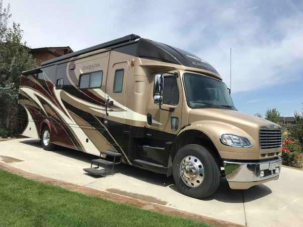 2011 Jayco Embark  for Sale $170,000