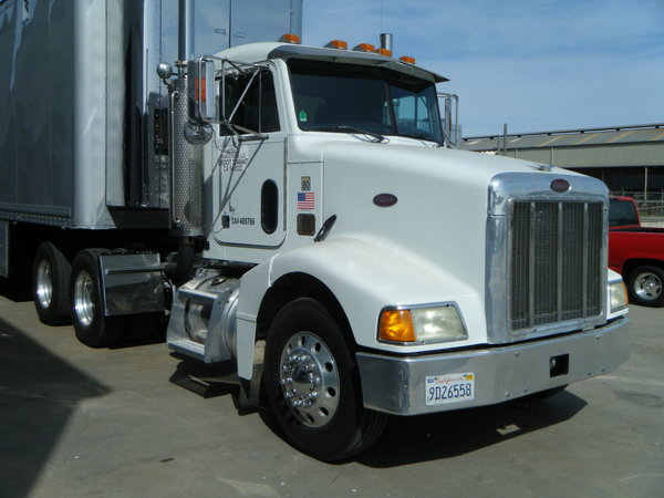 2003 Peterbilt 385  for Sale $15,900