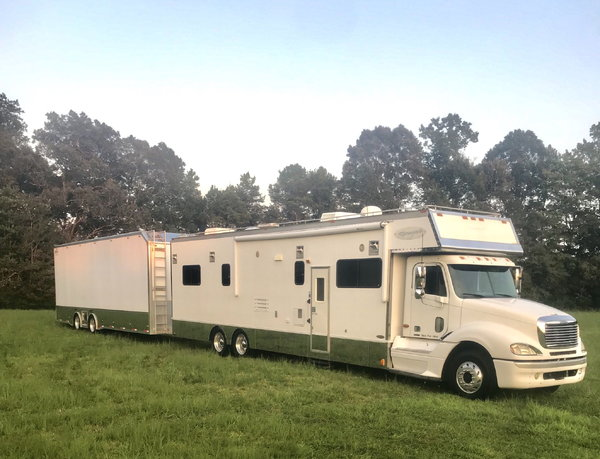 04 Freight Columbia Conversion & 12 Wildside Liftgate tr  for Sale $205,000