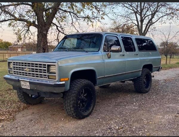 1990 Chevrolet V1500 Suburban  for Sale $11,499