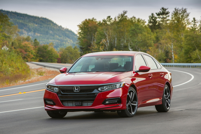Carrying Over From Last Year S All New Model The 2019 Honda Accord Offers Excellent Driving Dynamics A Handsome Exterior Generous Rear Seat Room