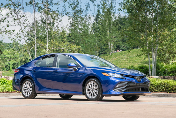 2018 toyota camry deals prices incentives leases. Black Bedroom Furniture Sets. Home Design Ideas