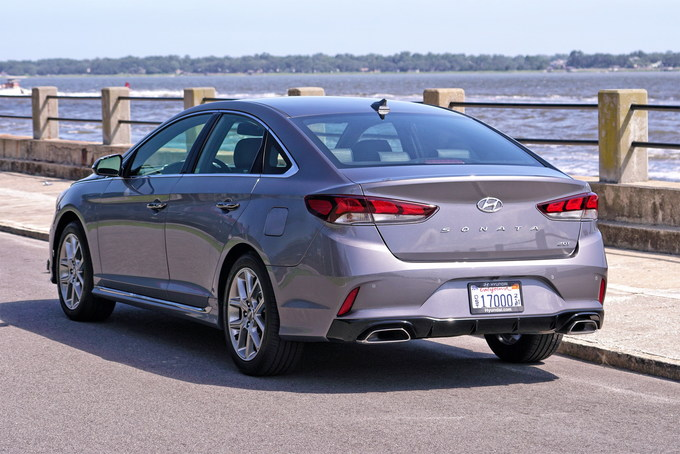 2018 hyundai sonata redesign. beautiful 2018 between 2009 and 2014 the hyundai sonata was one of most attractive  midsize sedans on market introducing hyundaiu0027s groundbreaking u201cfluidic  on 2018 hyundai sonata redesign