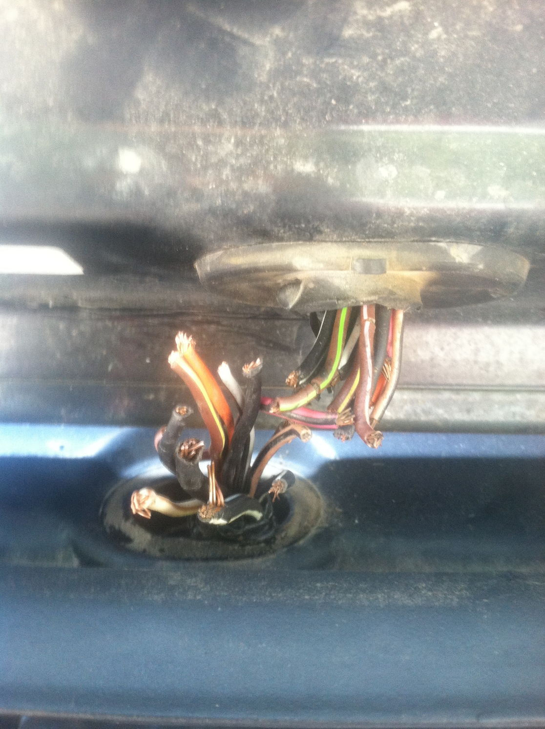 How To Fix Wiring In Back Hatch Write Up Jeep Cherokee Forum Rear Door Pigtails Youll Need 18white And 14orange Wire As Well Butt Connectors Blue Is Size 16 14 Red 18 A Good Pare Of Cutters