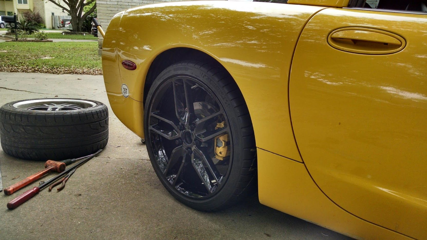 new shoes for my millenium yellow 2004 c5 corvetteforum chevrolet corvette forum discussion. Black Bedroom Furniture Sets. Home Design Ideas