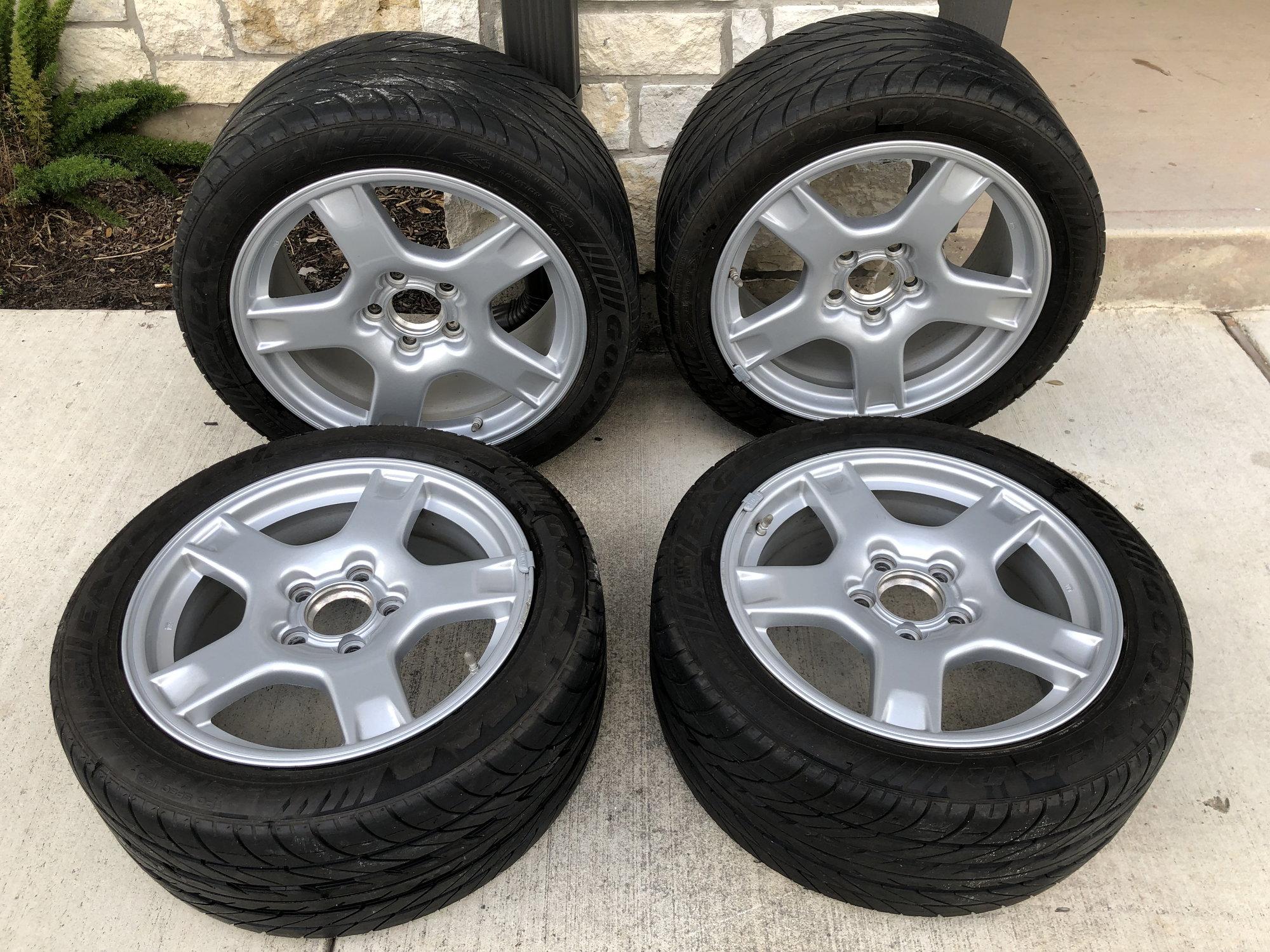 FS (For Sale) Selling Wagon Wheels - San Antonio