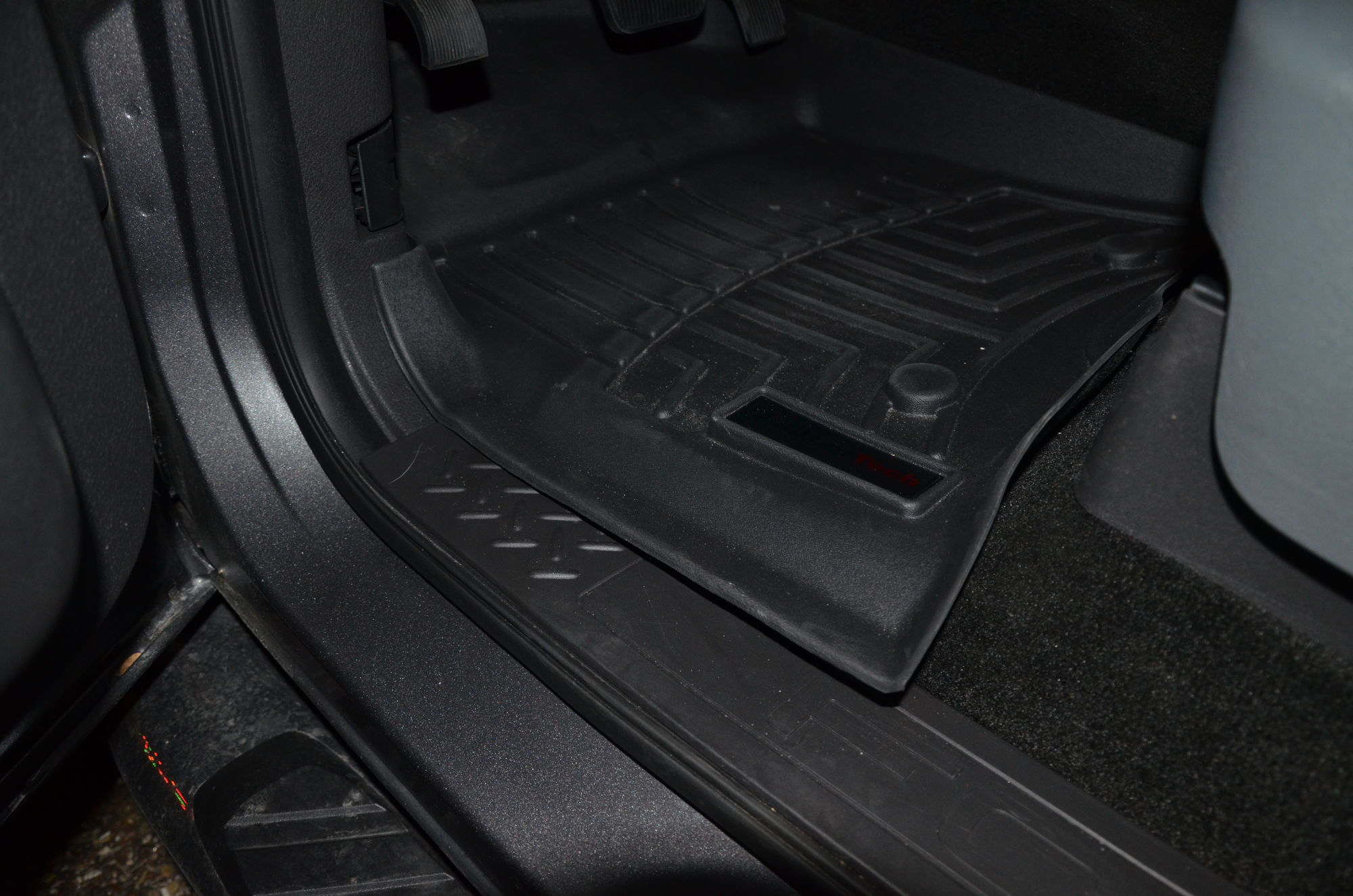 Weathertech mats not laying flat - Could Be You Ve Received The Wrong Item For Your Particular Model Looks Like The Mat S Overlapping The Sill Place By A Good Margin Weathertech