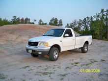 not a bad lookin truck for under 2 grand! (the picture date is screwed up)