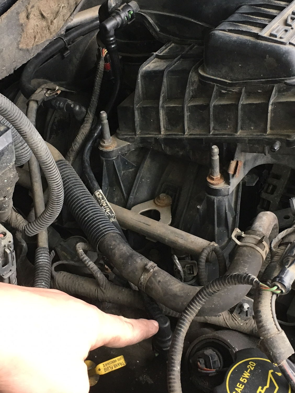 valve cover is supposed to have suction and it has none what could that mean could that have something to do with the rough running engine