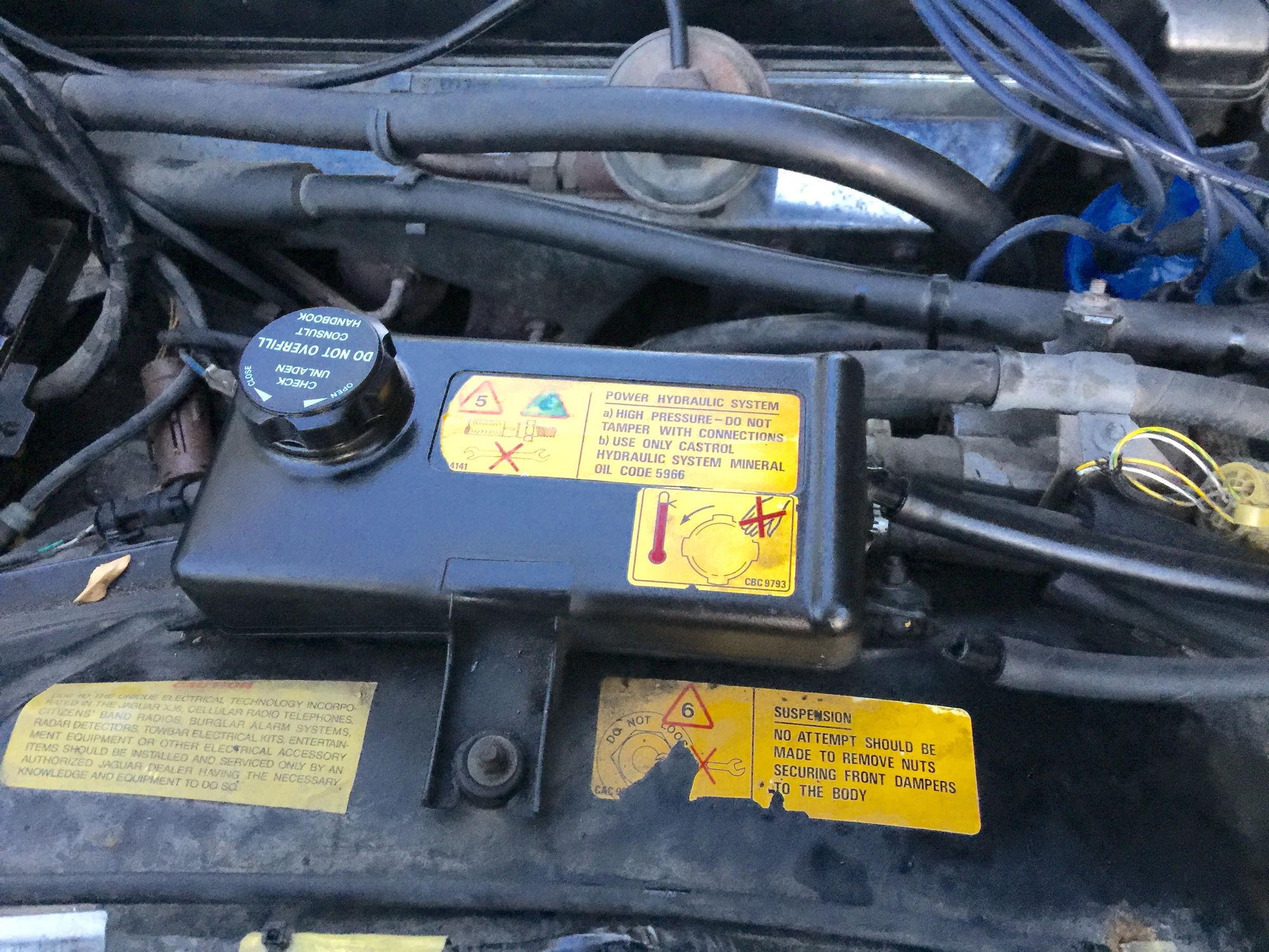 Power steering reservoir port broken... - Jaguar Forums - Jaguar ...