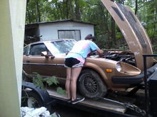 """7-16-18, taking parts off the """"donor car"""" for her car."""