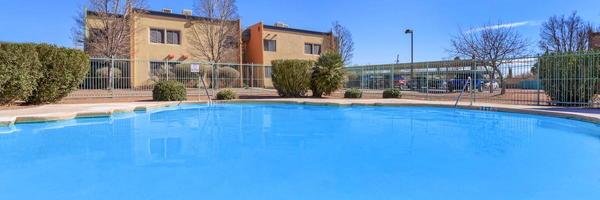 Cien Palmas Apartments