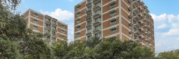 Parc Iv & V Condominiums