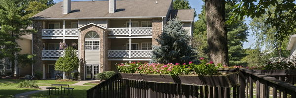 Sturbridge Square Apartments