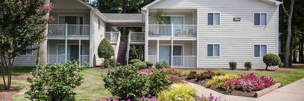 Four Seasons Apartments