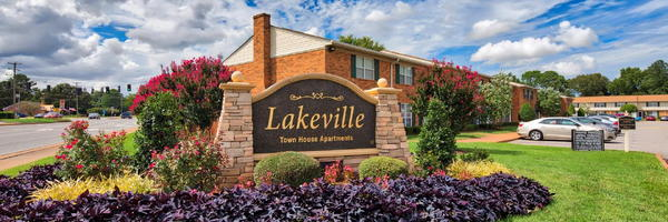 Lakeville Townhomes Apartments