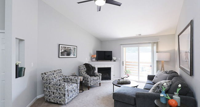 Compass Pointe Apartments - 56 Reviews   Valparaiso, IN Apartments ...